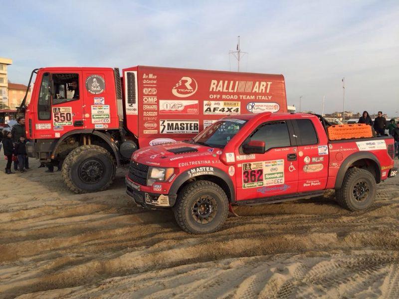 Incontro Mitsubishi Club Italy in Versilia: le Vetture RTeam Dakar sulla spiaggia